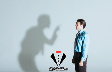 یک جنتلمن از انتقاد استقبال میکند یا از تمجید ؟