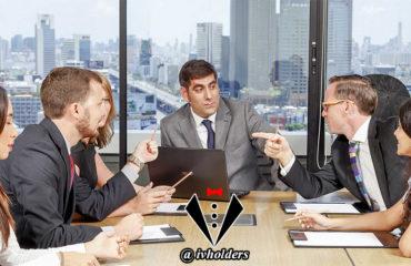 یک جنتلمن بیشتر گوش می دهد یا حرف می زند؟