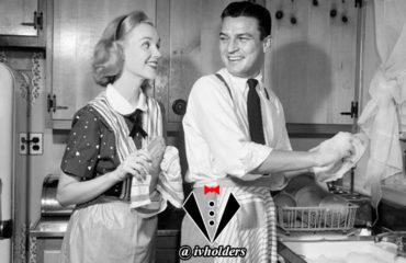 یک جنتلمن چگونه به همسر خود کمک می کند ؟