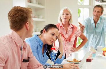 یک جنتلمن مشکلات شغلی را در خانه مطرح می کند ؟